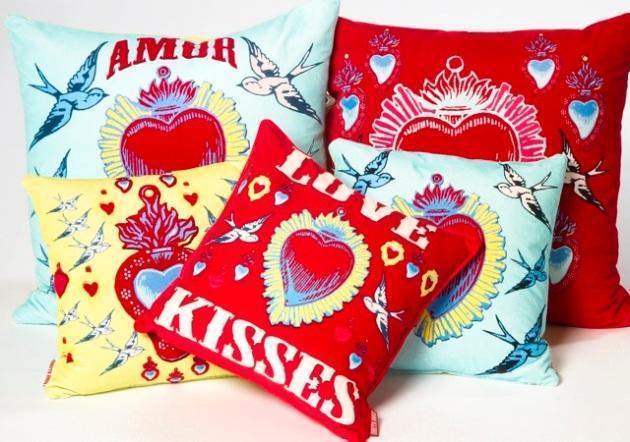 Amor Cushions