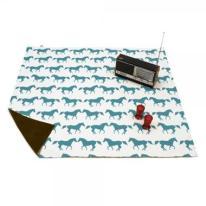 5. Picnic blanket (horses)