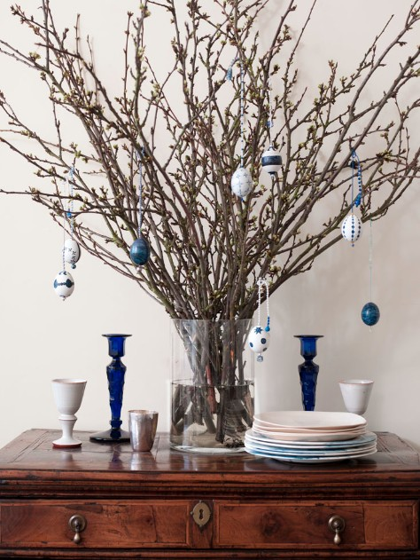 Easter Egg Tree - Easter crafts and decorations via Remodelista