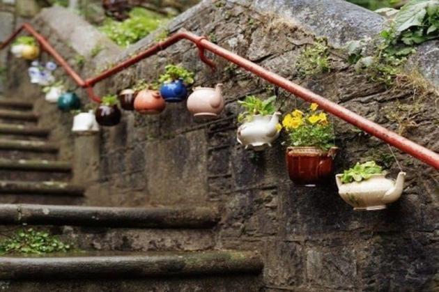 Pot-Bunga-dari-Teko-Recycled-Pot
