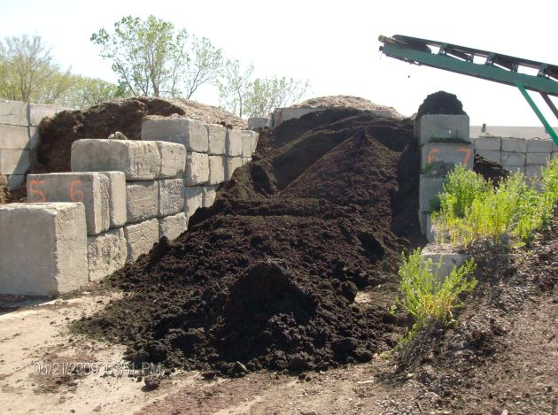 compost montreal pile