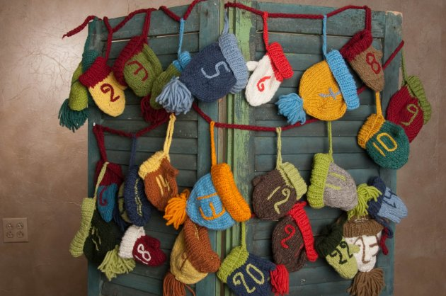 knitted advent calendar www.etsy.com-ca-shop-CampKitschyKnits